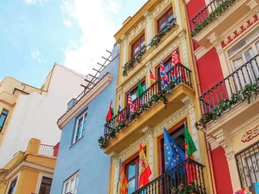 If I acquire Spanish nationality by residence, do I lose my nationality of origin?